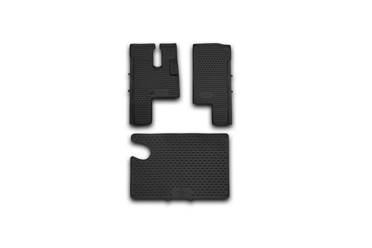 Набор автомобильных ковриков Novline-Autofamily для МАЗ 6430, в салон, 3 штNLC.57.01.210hНабор автомобильных ковриков Novline-Autofamily, изготовленный из полиуретана, состоит из 3 ковриков, которые учитывают все особенности каждой модели автомобиля и полностью повторяют контуры пола. Полиуретановые автомобильные коврики для салона произведены из высококачественного материала, который держит форму, прочный и не пачкает обувь. Коврики в салон не только улучшат внешний вид салона вашего автомобиля, но и надежно уберегут его от пыли, грязи и сырости, а значит, защитят кузов от коррозии. Полиуретановые коврики для автомобиля гладкие, приятные и не пропускают влагу. Ковры для автомобилей надежно крепятся на полу и не скользят, что очень важно во время движения. Чистятся коврики очень просто: как при помощи автомобильного пылесоса, так и различными моющими средствами. Набор подходит для МАЗ 6430.