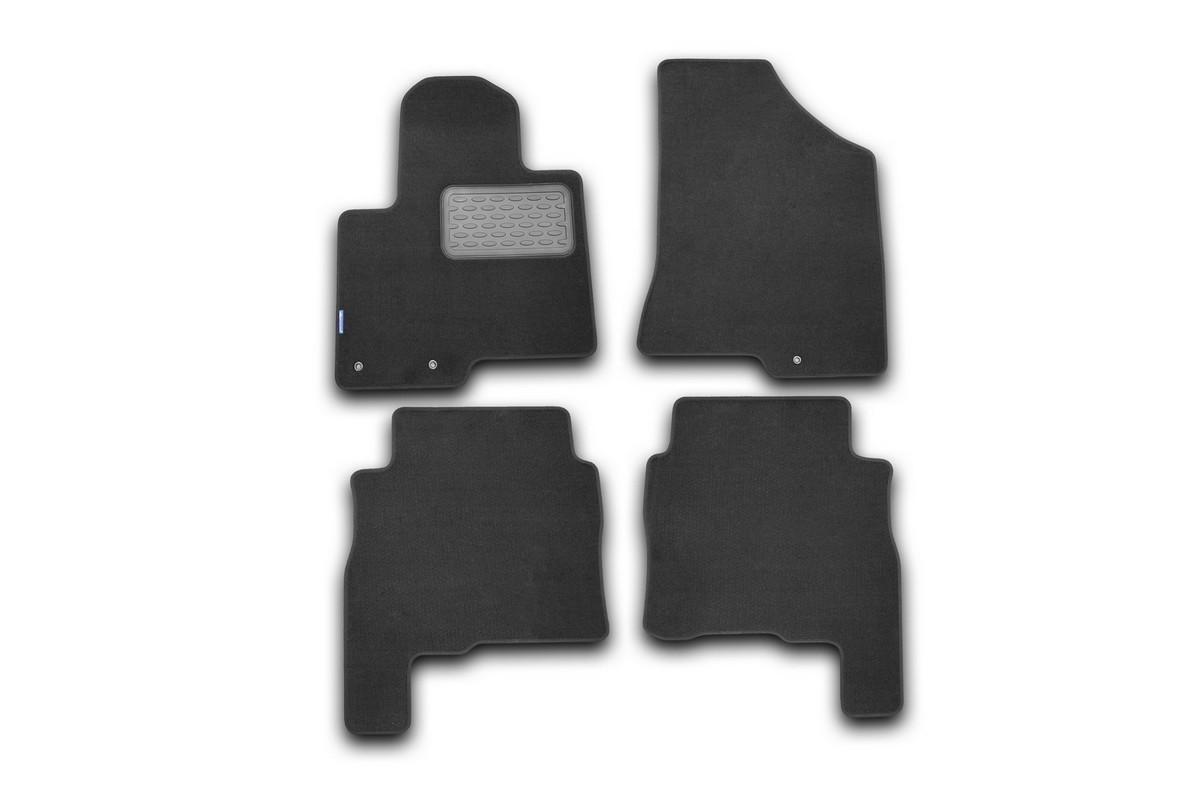 Набор автомобильных ковриков Novline-Autofamily для Hyundai Santa Fe 2010-, внедорожник, в салон, 4 шт. NLT.20.37.11.110khVT-1520(SR)Набор автомобильных ковриков Novline-Autofamily, изготовленный из текстиля, состоит из 4 ковриков, которые учитывают все особенности каждой модели автомобиля и полностью повторяют контуры пола. Текстильные автомобильные коврики для салона произведены из высококачественного материала, который держит форму, прочный и не пачкает обувь. Коврики в салон не только улучшат внешний вид салона вашего автомобиля, но и надежно уберегут его от пыли, грязи и сырости, а значит, защитят кузов от коррозии. Текстильные коврики для автомобиля мягкие и приятные, а их основа из вспененного полиуретана не пропускает влагу. Ковры для автомобилей надежно крепятся на полу и не скользят, что очень важно во время движения. Чистятся коврики очень просто: как при помощи автомобильного пылесоса, так и различными моющими средствами. Набор подходит для Hyundai Santa Fe внедорожник с 2010 года выпуска.