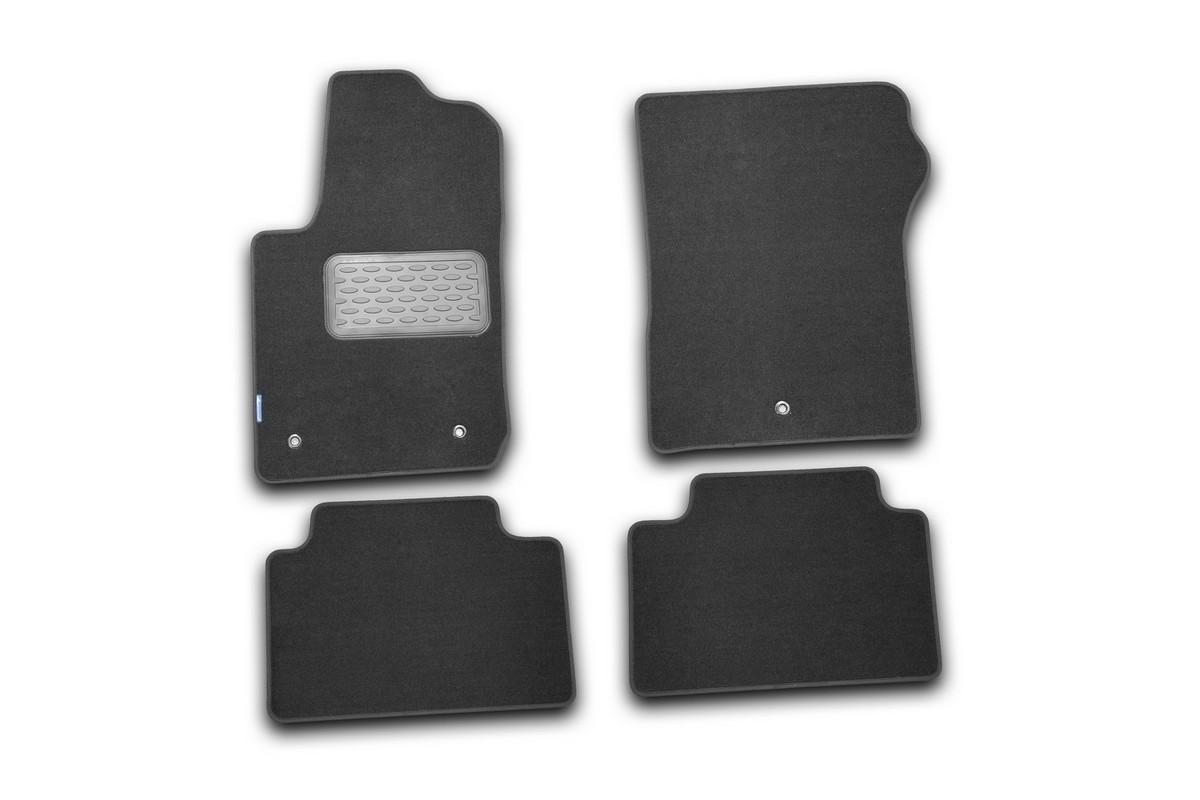 Набор автомобильных ковриков Novline-Autofamily для Jeep Grand Cherokee 2010-, внедорожник, в салон, цвет: черный, 4 штNLT.24.03.11.110khНабор автомобильных ковриков Novline-Autofamily, изготовленный из текстиля, состоит из 4 ковриков, которые учитывают все особенности каждой модели автомобиля и полностью повторяют контуры пола. Текстильные автомобильные коврики для салона произведены из высококачественного материала, который держит форму, прочный и не пачкает обувь. Коврики в салон не только улучшат внешний вид салона вашего автомобиля, но и надежно уберегут его от пыли, грязи и сырости, а значит, защитят кузов от коррозии. Текстильные коврики для автомобиля мягкие и приятные, а их основа из вспененного полиуретана не пропускает влагу. Ковры для автомобилей надежно крепятся на полу и не скользят, что очень важно во время движения. Чистятся коврики очень просто: как при помощи автомобильного пылесоса, так и различными моющими средствами. Набор подходит для Jeep Grand Cherokee внедорожник с 2010 года выпуска.