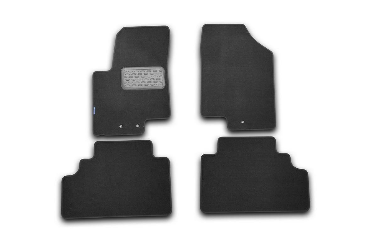 Набор автомобильных ковриков Novline-Autofamily для Kia Venga 2010-, хэтчбек, в салон, 4 шт. NLT.25.34.11.110khVT-1520(SR)Набор автомобильных ковриков Novline-Autofamily, изготовленный из текстиля, состоит из 4 ковриков, которые учитывают все особенности каждой модели автомобиля и полностью повторяют контуры пола. Текстильные автомобильные коврики для салона произведены из высококачественного материала, который держит форму, прочный и не пачкает обувь. Коврики в салон не только улучшат внешний вид салона вашего автомобиля, но и надежно уберегут его от пыли, грязи и сырости, а значит, защитят кузов от коррозии. Текстильные коврики для автомобиля мягкие и приятные, а их основа из вспененного полиуретана не пропускает влагу. Ковры для автомобилей надежно крепятся на полу и не скользят, что очень важно во время движения. Чистятся коврики очень просто: как при помощи автомобильного пылесоса, так и различными моющими средствами. Набор подходит для Kia Venga хэтчбек с 2010 года выпуска.