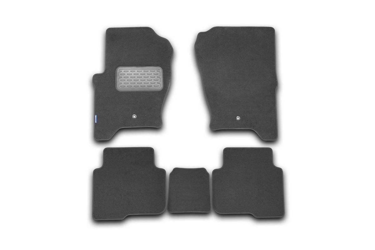 Набор автомобильных ковриков Novline-Autofamily для Land Rover Discovery 4 2010-2014, внедорожник, в салон, 5 штVT-1520(SR)Набор автомобильных ковриков Novline-Autofamily, изготовленный из текстиля, состоит из 5 ковриков, которые учитывают все особенности каждой модели автомобиля и полностью повторяют контуры пола. Текстильные автомобильные коврики для салона произведены из высококачественного материала, который держит форму, прочный и не пачкает обувь. Коврики в салон не только улучшат внешний вид салона вашего автомобиля, но и надежно уберегут его от пыли, грязи и сырости, а значит, защитят кузов от коррозии. Текстильные коврики для автомобиля мягкие и приятные, а их основа из вспененного полиуретана не пропускает влагу. Ковры для автомобилей надежно крепятся на полу и не скользят, что очень важно во время движения. Чистятся коврики очень просто: как при помощи автомобильного пылесоса, так и различными моющими средствами. Набор подходит для Land Rover Discovery 4 внедорожник 2010-2014 годов выпуска.
