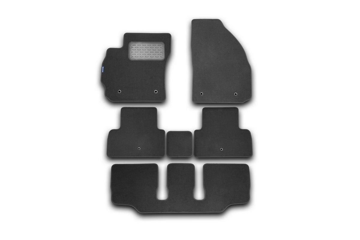 Набор автомобильных ковриков Novline-Autofamily для Mazda 5 АКПП 2011-, минивэн, в салон, 6 шт. NLT.33.19.11.110khVT-1520(SR)Набор автомобильных ковриков Novline-Autofamily, изготовленный из текстиля, состоит из 6 ковриков, которые учитывают все особенности каждой модели автомобиля и полностью повторяют контуры пола. Текстильные автомобильные коврики для салона произведены из высококачественного материала, который держит форму, прочный и не пачкает обувь. Коврики в салон не только улучшат внешний вид салона вашего автомобиля, но и надежно уберегут его от пыли, грязи и сырости, а значит, защитят кузов от коррозии. Текстильные коврики для автомобиля мягкие и приятные, а их основа из вспененного полиуретана не пропускает влагу. Ковры для автомобилей надежно крепятся на полу и не скользят, что очень важно во время движения. Чистятся коврики очень просто: как при помощи автомобильного пылесоса, так и различными моющими средствами. Набор подходит для Mazda 5 АКПП минивэн с 2011 года выпуска.