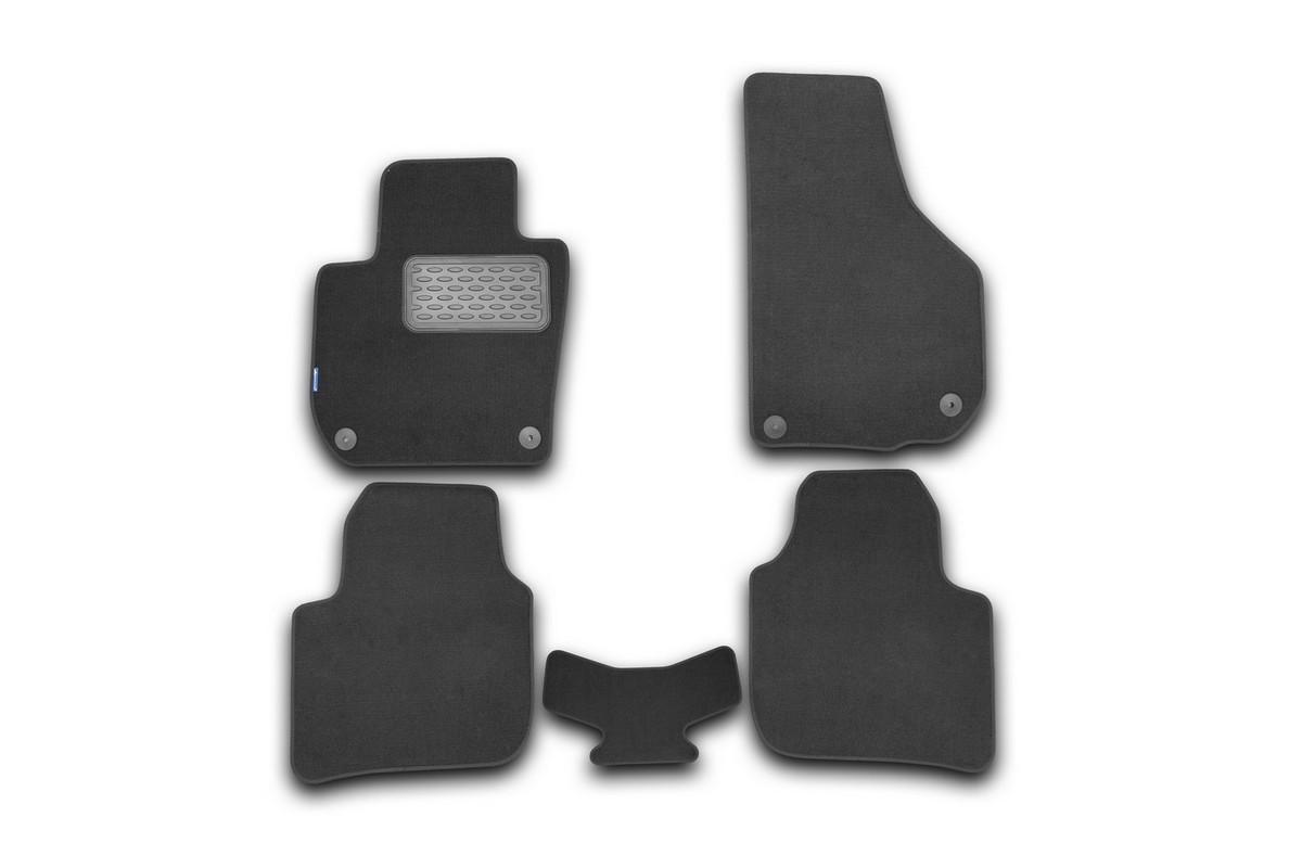 Набор автомобильных ковриков Novline-Autofamily для Skoda Superb АКПП 2008-, седан,в салон, 5 штVT-1520(SR)Набор автомобильных ковриков Novline-Autofamily, изготовленный из текстиля, состоит из 5 ковриков, которые учитывают все особенности каждой модели автомобиля и полностью повторяют контуры пола. Текстильные автомобильные коврики для салона произведены из высококачественного материала, который держит форму, прочный и не пачкает обувь. Коврики в салон не только улучшат внешний вид салона вашего автомобиля, но и надежно уберегут его от пыли, грязи и сырости, а значит, защитят кузов от коррозии. Текстильные коврики для автомобиля мягкие и приятные, а их основа из вспененного полиуретана не пропускает влагу. Ковры для автомобилей надежно крепятся на полу и не скользят, что очень важно во время движения. Чистятся коврики очень просто: как при помощи автомобильного пылесоса, так и различными моющими средствами. Набор подходит для Skoda Superb АКПП седан с 2008 года выпуска.