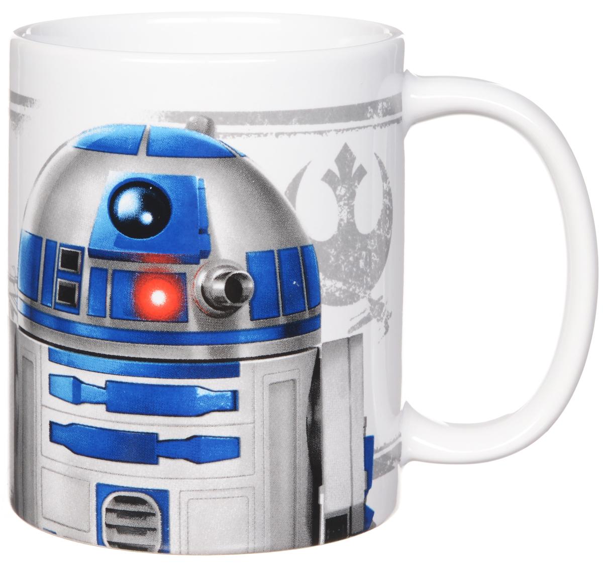 Star Wars Кружка детская R2D2 350 мл115510Детская кружка Star Wars R2D2 станет отличным подарком для любого фаната знаменитой саги. Она выполнена из керамики белого цвета и оформлена рисунком с изображением одного из главных героев Звездных войн дроида R2D2. Большая ручка обеспечит удобство использования.Объем кружки: 350 мл.Подходит для использования в посудомоечной машине и СВЧ-печи.