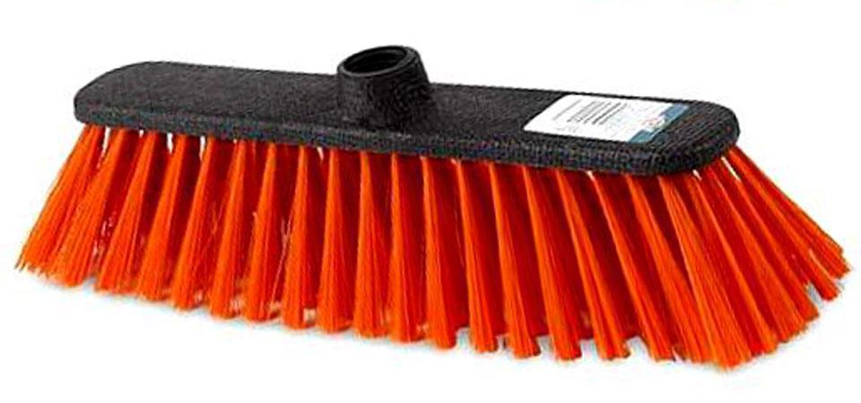 Щетка York Centi, без ручки, цвет: оранжевый10503Щетка York Centi изготовлена из пластика и предназначена для уборки сухого мусора. Щетка оснащена универсальной резьбой, которая подходит ко всем видам ручек. Упругий и длинный ворс позволит собрать мусор из самых труднодоступных мест.Ширина щетки: 27 см.Длина ворса: 7 см.Диаметр отверстия под ручку: 2,2 см.