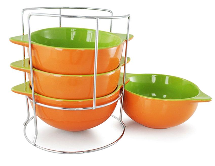 Набор бульонниц Loraine, на подставке, цвет: оранжевый, салатовый, 500 мл, 5 предметов. 2423624236_оранжевыйНабор Loraine состоит из четырех бульонниц, выполненных из высококачественной керамики. Бульонницы компактно размещаются на металлической подставке. Красочность оформления набора придется по вкусу и ценителям классики, и тем, кто предпочитает утонченность и изысканность. Бульонницы являются экологически безопасными, так как не содержат кадмия и свинца. Диаметр бульонницы (по верхнему краю): 13,5 см. Ширина бульонницы (с учетом ручек): 17,5 см. Размер подставки: 16 см х 16 см х 18 см.