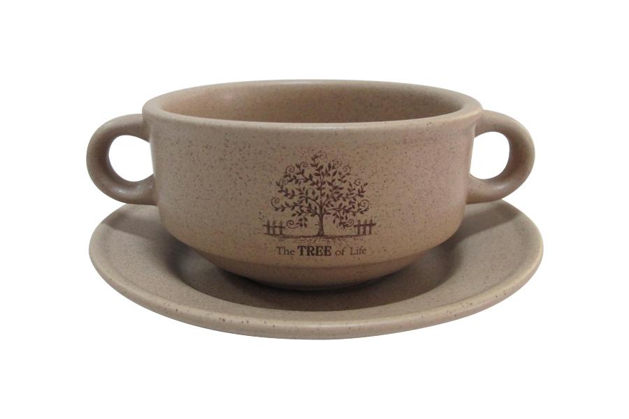Чашка суповая Terracotta Дерево жизни, с блюдцем, 300 млTLY923-TL-ALСуповая чашка Terracotta Дерево жизни изготовлена из высококачественной керамики. Суповая чашка предназначена для подачи супа, бульона и других жидких блюд. В комплекте предусмотрено блюдце. Две удобные ручки обеспечивают комфортное использование. Изделие отлично подойдет для торжественных случаев. Благодаря качеству исполнения и красивому дизайну изделие станет отличным приобретением для вашей кухни. Не использовать в СВЧ. Мыть с применением жидких моющих средств и в посудомоечной машине.