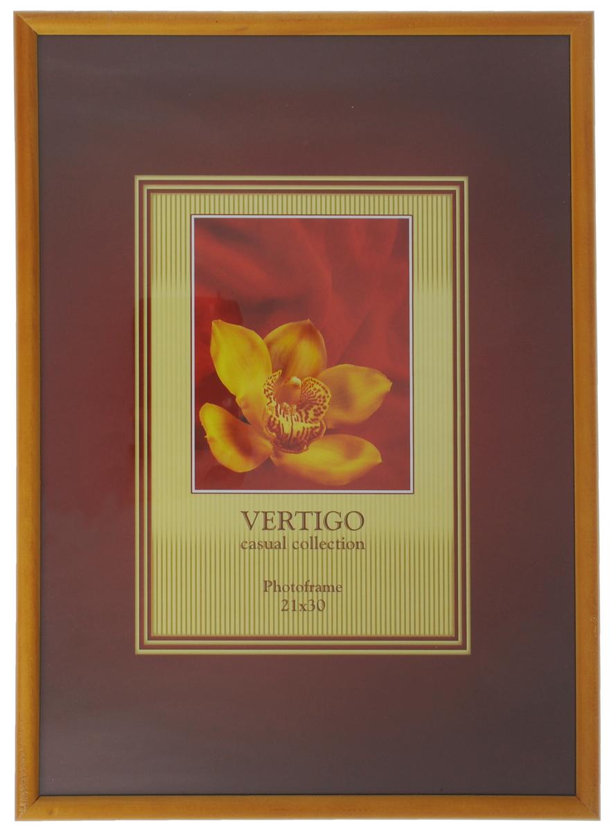 Фоторамка Vertigo Veneto, цвет: желтый, 21 см х 30 смUP210DFФоторамка Vertigo Veneto выполнена в классическом стиле из натурального дерева и стекла, защищающего фотографию. Обратная сторона изделия оснащена двумя специальными отверстиями для подвешивания и ножкой-подставкой. Такая фоторамка поможет вам оригинально и стильно дополнить интерьер помещения, а также позволит сохранить память о дорогих вам людях и интересных событиях вашей жизни.