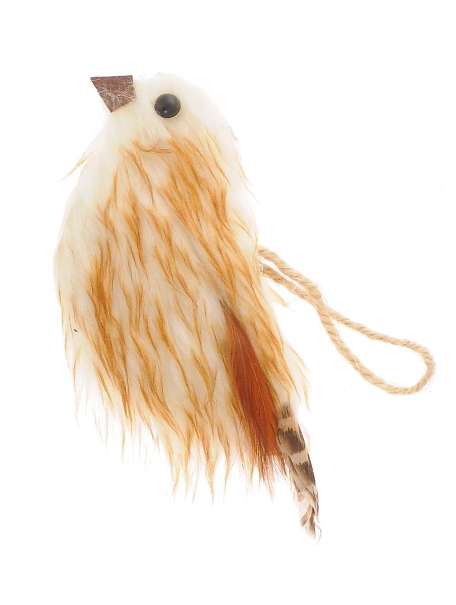 Новогоднее подвесное украшение Winter Wings ПтичкаNLED-444-7W-BKПодвесное украшение Winter Wings Птичка станет отличным новогодним украшением на елку. Изделие выполнено из пушистого полиэстера в виде птички и декорировано перышками. Подвешивается на елку с помощью текстильной петельки. Ваша зеленая красавица с таким украшением будет выглядеть стильно и волшебно. Создайте в своем доме по-настоящему сказочную атмосферу. Кроме того, это украшение может стать не только деталью интерьера в квартире, но и актуальным подарком для ваших друзей и родных.