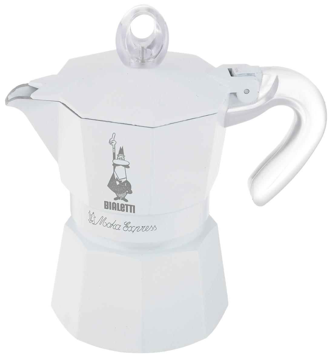 Кофеварка гейзерная Bialetti Moka Glossy, цвет: белый, на 3 чашки3052Компактная гейзерная кофеварка Bialetti Moka Glossy изготовлена из высококачественного алюминия. Объема кофе хватает на 3 чашки. Изделие оснащено удобной пластиковой ручкой. Принцип работы такой гейзерной кофеварки - кофе заваривается путем многократного прохождения горячей воды или пара через слой молотого кофе. Удобство кофеварки в том, что вся кофейная гуща остается во внутренней емкости. Гейзерные кофеварки пользуются большой популярностью благодаря изысканному аромату. Кофе получается крепкий и насыщенный. Теперь и дома вы сможете насладиться великолепным эспрессо. Подходит для газовых, электрических и стеклокерамических плит. Нельзя мыть в посудомоечной машине. Высота (с учетом крышки): 17 см.