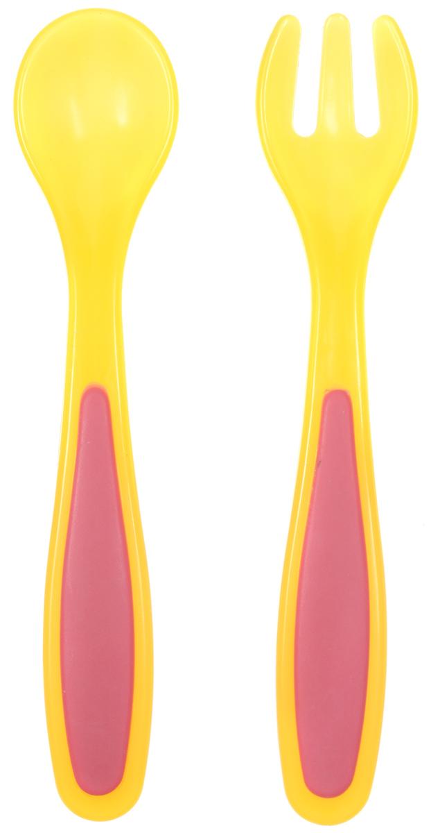 Bibi Набор детских столовых приборов Sensoline цвет желтый 2 предмета4С0476Ф34Самостоятельное питание - это гигантский прорыв для малышей. Они учатся держать ложку правильно и доносить еду к ротику, в основном имитируя этот процесс. Дети копируют взрослых, которых видят за столом. Очень большой поддержкой в этом процессе является детская посуда.Набор детских столовых приборов Bibi Sensoline включает в себя ложку и вилку из полипропилена.Эргономичная форма и нескользкая ручка приборов обеспечат удобство при кормлении. Вилка с закругленными кончиками и мягко отполированная ложка берегут нежные десны малыша. Хорошо подходит к тарелочкам и контейнерам Bibi.Для детей от 6 месяцев.Не содержит бисфенол А.