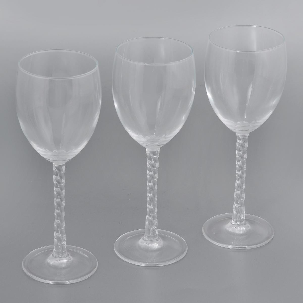 Набор фужеров Luminarc Authentic Clear, 250 мл, 3 штVT-1520(SR)Набор Luminarc Authentic Clear состоит из трех фужеров, выполненных из прочного стекла. Изделия оснащены высокими рельефными ножками и предназначены для подачи вина. Они сочетают в себе элегантный дизайн и функциональность. Благодаря такому набору пить напитки будет еще вкуснее.Набор фужеров Luminarc Authentic Clear прекрасно оформит праздничный стол и создаст приятную атмосферу за романтическим ужином. Такой набор также станет хорошим подарком к любому случаю. Можно мыть в посудомоечной машине.Диаметр фужера (по верхнему краю): 7 см. Высота фужера: 20 см.