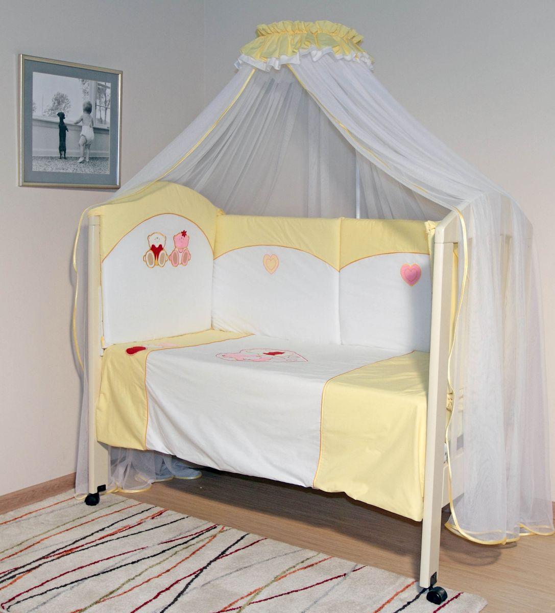 Топотушки Комплект детского постельного белья Николь цвет желтый 6 предметов4630008873656Комплект постельного белья из 6 предметов включает все необходимые элементы для детской кроватки. Комплект создает для Вашего ребенка уют, комфорт и безопасную среду с рождения; современный дизайн и цветовые сочетания помогают ребенку адаптироваться в новом для него мире. Комплекты «Топотушки» хорошо вписываются в интерьер как детской комнаты, так и спальни родителей. Как и все изделия «Топотушки» данный комплект отражает самые последние технологии, является безопасным для малыша и экологичным. Российское происхождение комплекта гарантирует стабильно высокое качество, соответствие актуальным пожеланиям потребителей, конкурентоспособную цену. Охранный бампер 360х50см. (из 4-х частей на молнии, наполнитель – холлофайбер); подушка 40х60см (наполнитель – холлофайбер); одеяло 140х110см (наполнитель – холлофайбер); наволочка 40х60см; пододеяльник 147х112см; простынь на резинке 120х60см.