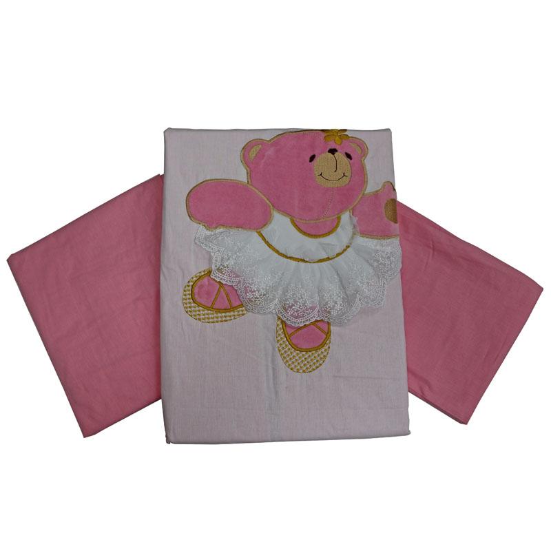Топотушки Комплект детского постельного белья Софи цвет розовый4630008873892Изысканный и нежный комплект для девочки! Создаст уют и комфорт в кроватке малышки, обеспечит ей крепкий и здоровый сон. Комплект украшен нарядной объёмной вышивкой - медвежатами. Когда малышка подрастёт, она сможет сама потрогать пальчиками персонажей, которые оберегали её сон с самых первых дней жизни. Сменный комплект постельного белья из 3 предметов для детской кроватки. Комплект создает для Вашего ребенка уют, комфорт и безопасную среду с рождения; современный дизайн и цветовые сочетания помогают ребенку адаптироваться в новом для него мире. Комплекты «Топотушки» хорошо вписываются в интерьер, как детской комнаты, так и в спальни родителей. Как и все изделия «Топотушки» данный комплект отражает самые последние технологии, является безопасным для малыша и экологичным. Российское происхождение комплекта гарантирует стабильно высокое качество, соответствие актуальным пожеланиям потребителей, конкурентоспособную цену. Наволочка 40х60 см, пододеяльник 147х112...