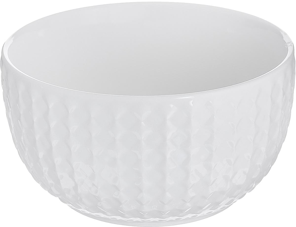 Миска Walmer Sapphire, диаметр 12 смVT-1520(SR)Миска Walmer Sapphire изготовлена из высококачественного фарфора и с внешней стороны декорирована изысканным рельефом. Миска идеально подходит для подачи супов, каш, сервировки салатов, закусок или соусов. Можно мыть в посудомоечной машине и использовать в СВЧ. Диаметр (по верхнему краю): 12 см. Высота стенки: 6,5 см.