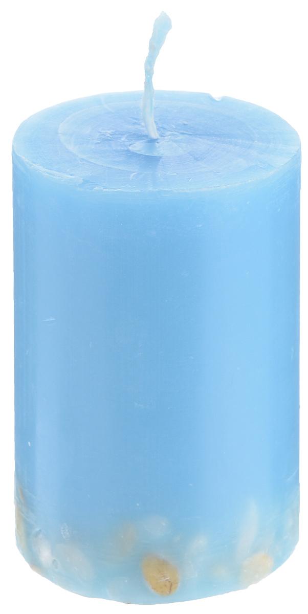 Свеча декоративная Proffi Home Столбик, с галькой, цвет: голубой, высота 8 смPH5887Декоративная свеча Proffi Home Столбик выполнена из парафина и стеарина в классическом стиле. Нижняя часть свечи декорирована галькой. Изделие порадует вас ярким дизайном. Такую свечу можно поставить в любое место, и она станет ярким украшением интерьера. Свеча Proffi Home Столбик создаст незабываемую атмосферу, будь то торжество, романтический вечер или будничный день.