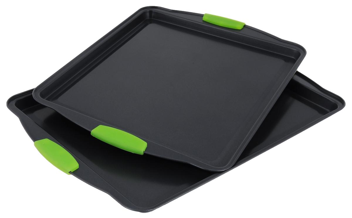 Противень Calve Premium Quality, с антипригарным покрытием, прямоугольный, цвет: салатовый, 2 штCL-4586Набор Calve Premium Quality состоит из 2 противней разного размера. Каждый противень выполнен из высококачественной углеродистой стали и снабжен антипригарным покрытием, что обеспечивает ему прочность и долговечность, и не нагревающимися ручками с силиконовым покрытием. Противень равномерно и быстро прогревается, что способствует лучшему пропеканию пищи. Его легко чистить. Готовая выпечка без труда извлекается. Противень подходит для использования в духовке с максимальной температурой 260°С. Перед каждым использованием противень необходимо смазать небольшим количеством масла. Простой в уходе и долговечный в использовании противень Calve Premium Quality станет верным помощником в создании ваших кулинарных шедевров. Можно мыть в посудомоечной машине. Размер большого противня: 44 х 30 х 1,5 см. Размер маленького противня: 39 х 29 х 1,5 см. Толщина стенки: 0,3 мм.
