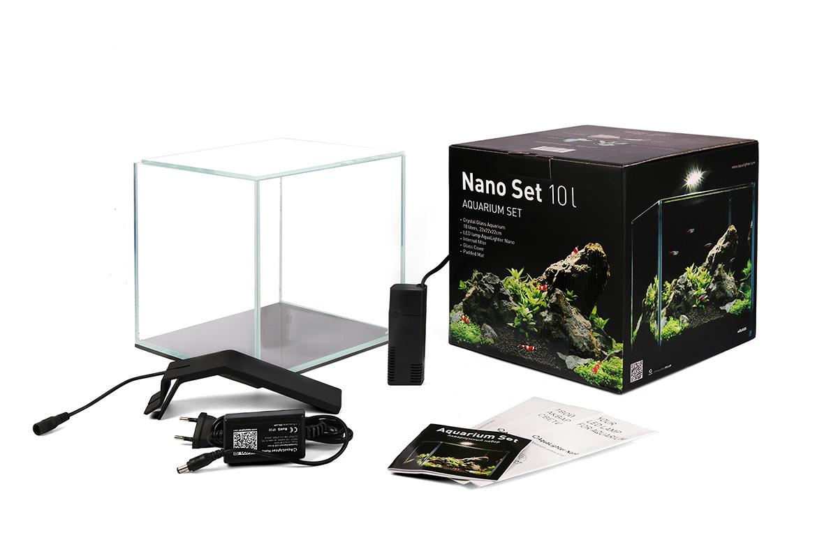 Аквариумный набор AquaLighter Nano Set, 10 л7142Набор отлично подходит для содержания несложных видов растений, креветок, мелких видов рыб. Практичный, удобный, не занимает много места. В состав набора входят: аквариум aGLASS из сверхпрозрачного стекла объемом 10 литров, аквариумный светильник AquaLighter Nano, внутренний фильтр, подложка, покровное стекло.