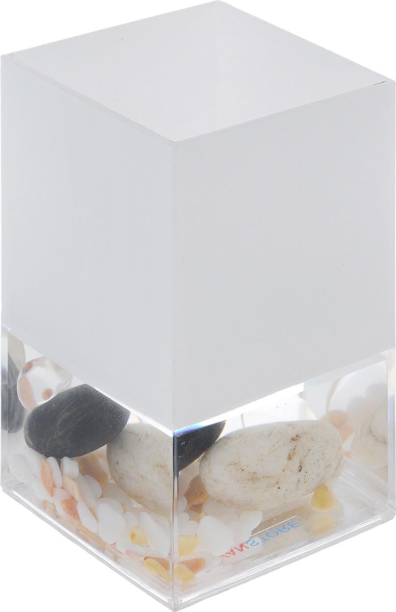 Стакан для ванной комнаты Vanstore Stones, высота 12 см383-01Стакан для ванной комнаты Vanstore Stones изготовлен из высококачественного пластика. В стакане удобно хранить зубные щетки, пасту и другие принадлежности. Такой аксессуар для ванной комнаты стильно украсят интерьер и добавят в обычную обстановку яркие и модные акценты. Размер стакана: 6,5 х 6,5 х 12 см.