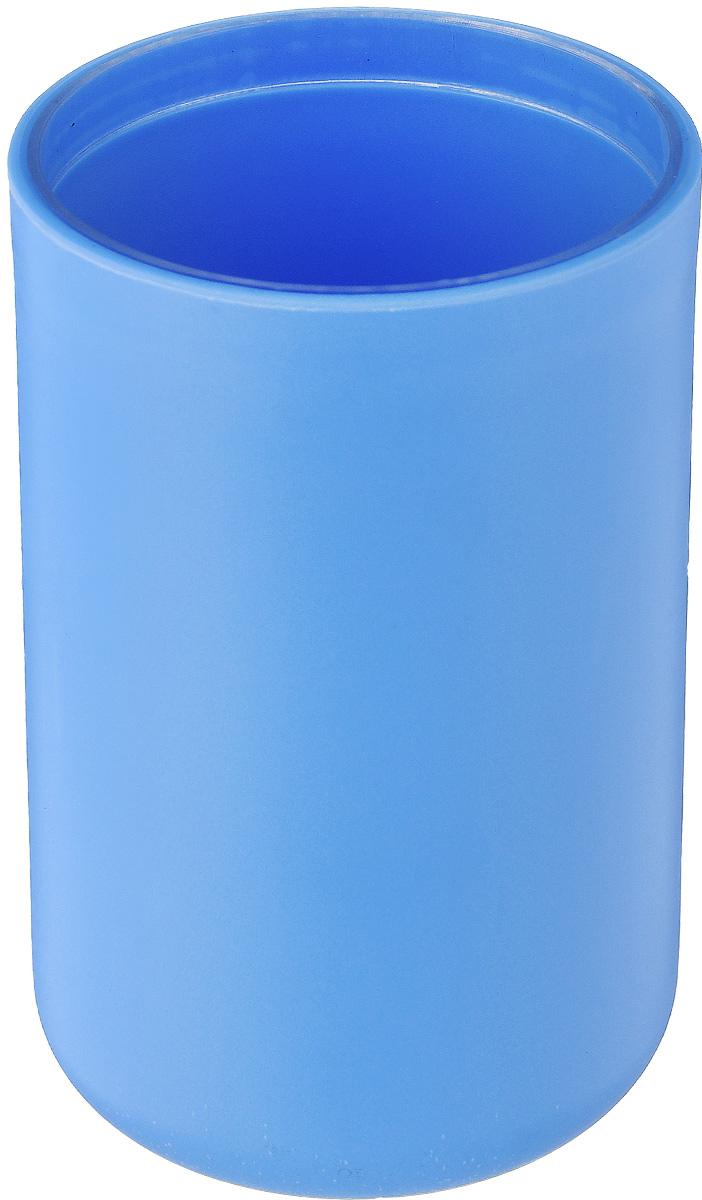 Стакан для ванной комнаты Vanstore Plastic Blue, цвет: голубой, высота 10,5 см311-01Стакан для ванной комнаты Vanstore Plastic Blue изготовлен из высококачественного пластика. В стакане удобно хранить зубные щетки, тюбики с зубной пастой и другие принадлежности. Такой аксессуар для ванной комнаты стильно украсит интерьер и добавит в обычную обстановку яркие и модные акценты. Размер стакана: 6,5 х 6,5 х 10,5 см.