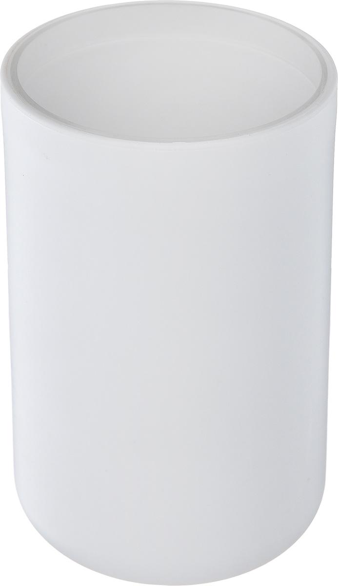 Стакан для ванной комнаты Vanstore Plastic White, цвет: белый, высота 10,5 см309-01Стакан для ванной комнаты Vanstore Plastic White изготовлен из высококачественного пластика. В стакане удобно хранить зубные щетки, тюбики с зубной пастой и другие принадлежности. Такой аксессуар для ванной комнаты стильно украсит интерьер и добавит в обычную обстановку яркие и модные акценты. Размер стакана: 6,5 х 6,5 х 10,5 см.