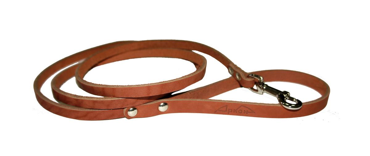 Поводок для собак Аркон Стандарт, цвет: коньячный, ширина 0,8 см, длина 140 смп8кПоводок для собак Аркон Стандарт изготовлен из высококачественной натуральной кожи. Карабин выполнен из легкого сверхпрочного сплава. Изделие отличается не только исключительной надежностью и удобством, но и привлекательным современным дизайном. Поводок - необходимый аксессуар для собаки. Ведь в опасных ситуациях именно он способен спасти жизнь вашему любимому питомцу. Иногда нужно ограничивать свободу своего четвероногого друга, чтобы защитить его или себя от неприятностей на прогулке. Длина поводка: 140 см. Ширина поводка: 0,8 см.