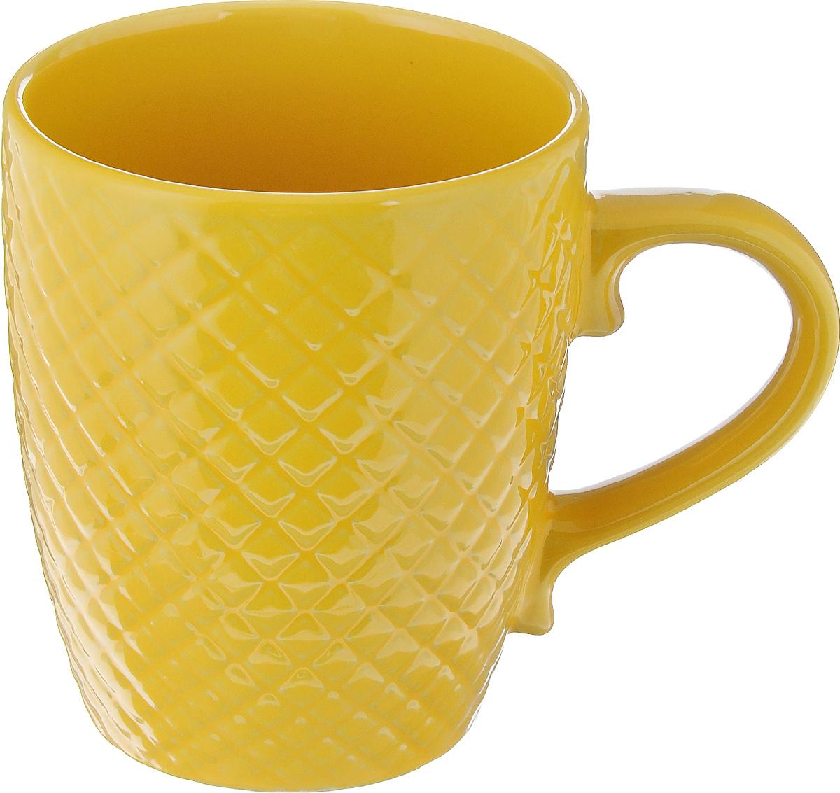 Кружка Walmer Amber, цвет: горчичный, 350 млW06122035Кружка Walmer Amber изготовлена из высококачественной керамики. Изделие оформлено изысканным рельефным орнаментом. Такая кружка прекрасно оформит стол к чаепитию и станет его неизменным атрибутом. Можно использовать в посудомоечной машине и СВЧ. Диаметр (по верхнему краю): 9 см. Диаметр основания: 6 см. Высота: 11 см.