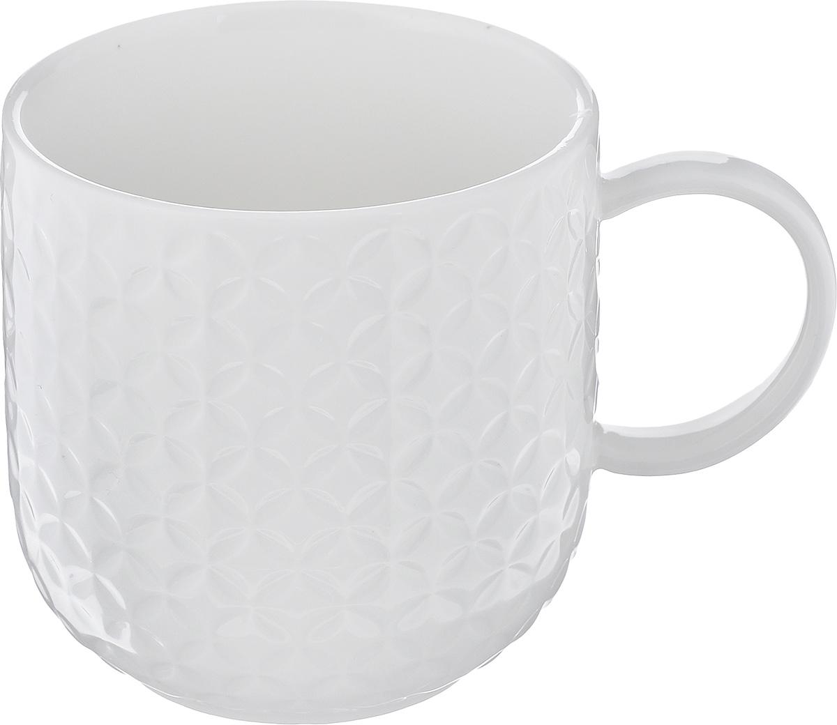 Кружка Walmer Quincy, цвет: белый, 350 млW07520035Кружка Walmer Quincy изготовлена из высококачественного фарфора. Изделие оформлено изысканным рельефным орнаментом. Такая кружка прекрасно оформит стол к чаепитию и станет его неизменным атрибутом. Не рекомендуется применять абразивные моющие средства. Диаметр (по верхнему краю): 8 см. Высота: 8,5 см.