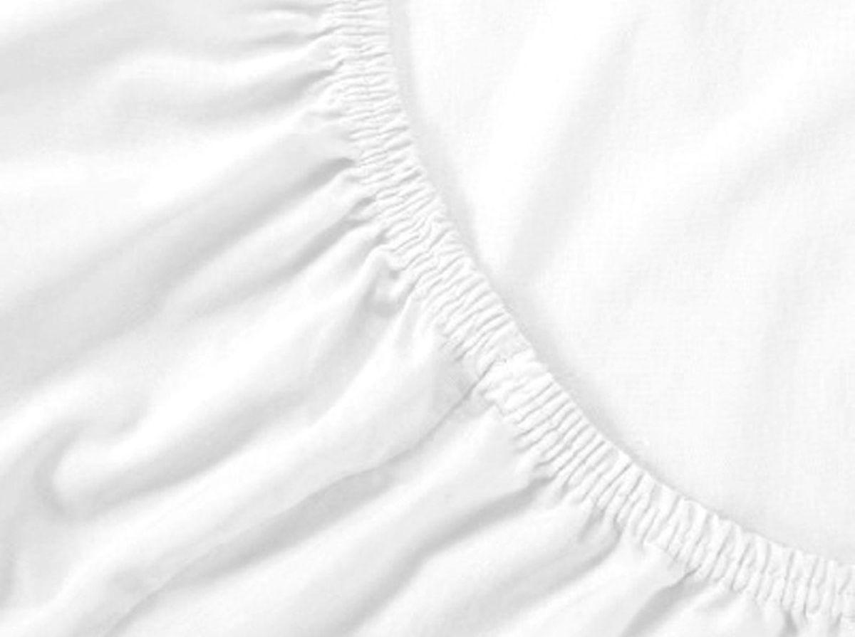 Простыня на резинке Хлопковый Край, цвет: белый, размер 120 х 200 смS03301004Бренд: Хлопковый Край. Чебоксары, Россия Коллекция: Радуга желаний Материал: ТРИКОТАЖ (кулирка)-100% хлопок; Плотность 125 гр/м2- нежное, гладкое и прочное; Активное крашение - простынь не теряет цвет; Гиппоалергенно и безопасно даже для детей; Стойкое к стиркам - не образуются катышки Высота бортика 20 см - подходит для 99% матрасов; Резинка по всему периметру - идеально садится на матрас; Сертификат ЕАС и знак Eco Friendly