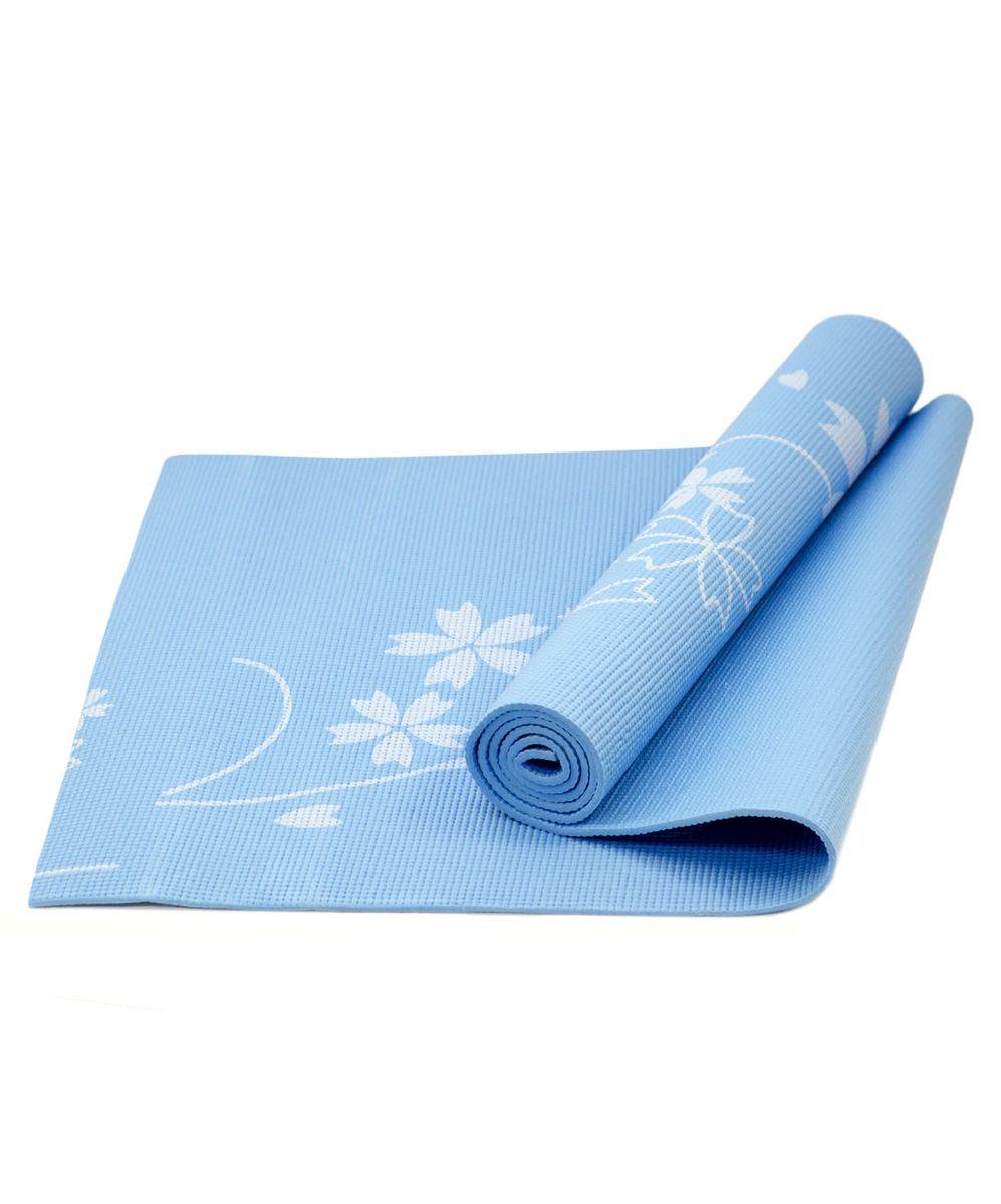 Коврик для йоги Starfit FM-102, цвет: синий, 173 х 61 х 0,4 смУТ-00007240Коврик для йоги Star Fit FM-102 - это незаменимый аксессуар для любого спортсмена как во время тренировки, так и во время пре-стретчинга (растяжки до тренировки) и стретчинга (растяжки после тренировки). Выполнен из высококачественного ПВХ и оформлен оригинальным рисунком в виде цветов. Коврик используется в фитнесе, йоге, функциональном тренинге. Его используют спортсмены различных видов спорта в своем тренировочном процессе. Предпочтительно использовать без обуви. Если в обуви, то с мягкой подошвой, чтобы избежать разрыва поверхности коврика.