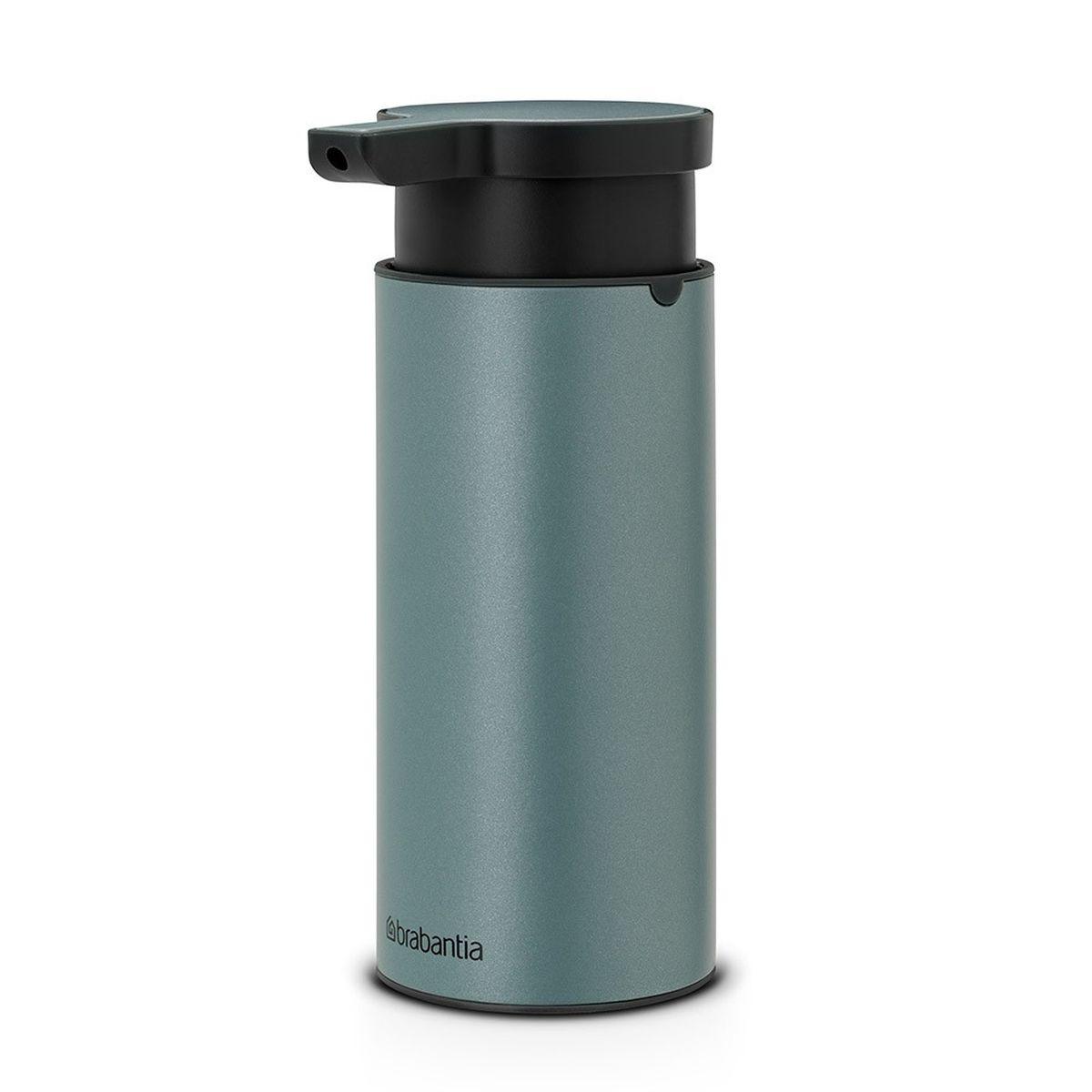 Диспенсер для жидкого мыла Brabantia, цвет: мятный металлик107467Диспенсер для жидкого мыла Brabantia, изготовленный из коррозионностойких материалов, идеально подойдет для помещений с повышенной влажностью. Стильный аксессуар по достоинству оценят те, кого заботят вопросы гигиены, и те, для кого важны индивидуальность стиля и красивый дизайн. Красота и функциональность в одном флаконе! И высочайшее качество сверху донизу. Может использоваться для шампуней, лосьонов или любого другого жидкого средства. Легко разбирается для проведения тщательной очистки. Широкое основание с противоскользящими свойствами обеспечивает отличную устойчивость. Удобное наполнение сверху - широкое отверстие для заправки. Перед заправкой дозатора заполните емкость горячей водой и проведите очистку насосного механизма, несколько раз прокачав дозатор.