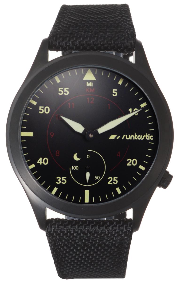 Часы наручные Runtastic Moment Elite, спортивные, цвет: черный. RUNMOEL100124Спортивные часы Runtastic Moment Elite выполнены из нержавеющей стали, натуральной кожи и минерального стекла. Модель Moment Elite представляет собой стильные наручные часы с круглым аналоговым циферблатом.Многофункциональные спортивные часы оснащены функцией Bluetooth Smart, которая позволит синхронизировать часы с самртфоном. Корпус часов имеет степень водонепроницаемости 100м и дополнен устойчивым к царапинам минеральным стеклом, стрелки дополнены светящимся составом. Ремешок часов выполнен из натуральной кожи и текстиля, а также оснащен практичной пряжкой, которая позволит с легкостью снимать и надевать изделие.Комплект поставки включает: часы, элемент питания, инструмент для замены элемента питания, 4 дополнительных винта.Изделие поставляется в фирменной упаковке.Гаджет идеально подходит для активного образа жизни. Высокое качество, элегантный дизайн и инновационные технологии позволяют достигать поставленных целей, контролировать ежедневный прогресс. Совместимость с iPhone 4s и более новыми моделями, со смартфонами на базе Android (v4.3 и новее) поддерживающими Bluetooth 4.0 Smart; смартфонами и планшетами на базе Windows Phone (v8.1 и новее), поддерживающими Bluetooth 4.0 Smart.