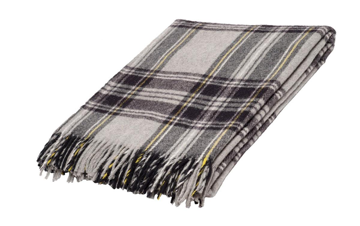 Плед Торговый Дом Руно Шотландия, 170 х 200 см. 1-282-170 (43)256631Мягкий плед Руно Шотландия, выполненный из натуральной кроссбредной овечий шерсти, добавит комнате уюта и согреет в прохладные дни. Удобный размер этого очаровательного изделия позволит использовать его и как одеяло, и как покрывало для кресла или софы.Плед Руно Шотландия украсит интерьер любой комнаты и станет отличным подарком друзьям и близким!Размер пледа: 170 x 200 см.