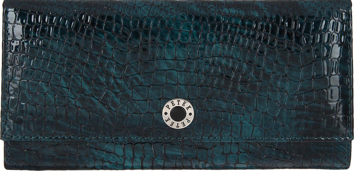 Портмоне женское Petek 1855, цвет: темно-зеленый. 379.091.09379.091.09 GreenСтильное женское портмоне Petek 1855 выполнено из натуральной лакированной кожи и декорировано тиснением под кожу рептилии. Лицевая сторона оформлена металлической пластиной с гравировкой в виде названия бренда. Портмоне закрывается клапаном на застежку-кнопку. Внутри модель имеет одно отделение для купюр, три боковых кармана для мелких бумаг и чеков, четыре кармашка для визиток и кредитных карт и один карман с окошком из прозрачного сетчатого материала. На задней стенке расположен один открытый карман для мелочей и врезной карман на пластиковой молнии для монет. Изделие упаковано в фирменную коробку. Оригинальный дизайн портмоне не оставит равнодушной ни одну представительницу прекрасной половины человечества.