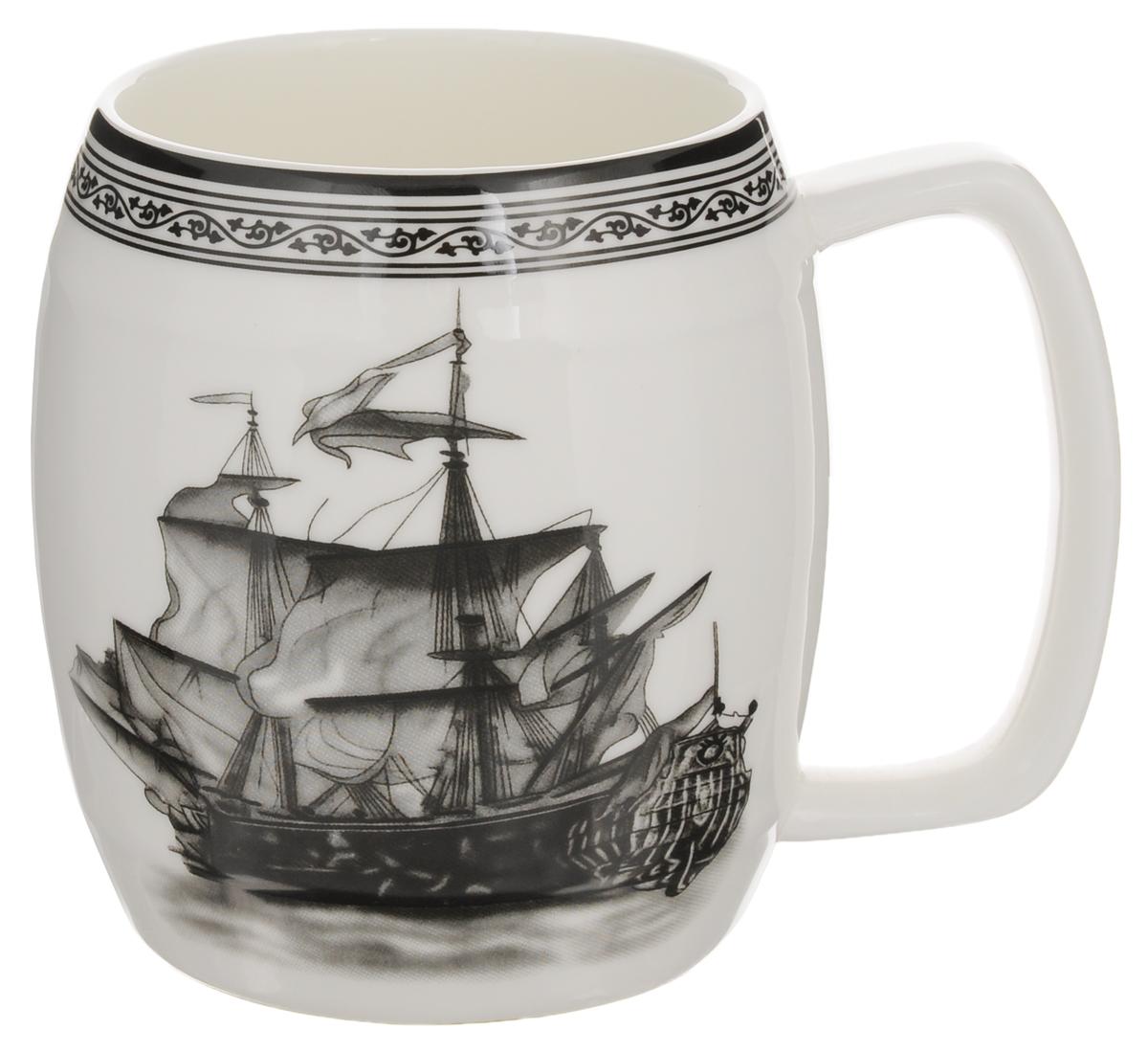 Кружка Elan Gallery Корабль, 700 мл530022Кружка Elan Gallery Корабль, изготовленная из высококачественной керамики, подходит для тех, кто предпочитает большие кружки и для любителей чая, кофе и пенных напитков. Изделие сочетает в себе изысканный дизайн с максимальной функциональностью. Такая кружка станет оригинальным подарком для ваших родных и близких. Диаметр кружки (по верхнему краю): 8,8 см. Высота кружки: 11,5 см.