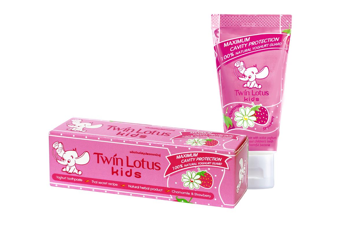 Twin Lotus Kids Зубная паста Chamomile & Strawbery (Клубника и Ромашка), 50 г1381Для молочных и постоянных зубов.Не содержит фтора, лауритсульфат натрия, парабенов, ПЭГ. Зубная паста предназначена для детей от 3 до 10 лет. Препятствует росту бактерий, обеспечивая надежную защиту от кариеса, нормализуют микробный состав полости рта, укрепляет зубную эмаль, предотвращая потерю кальция, обладает приятным фруктовым вкусом.