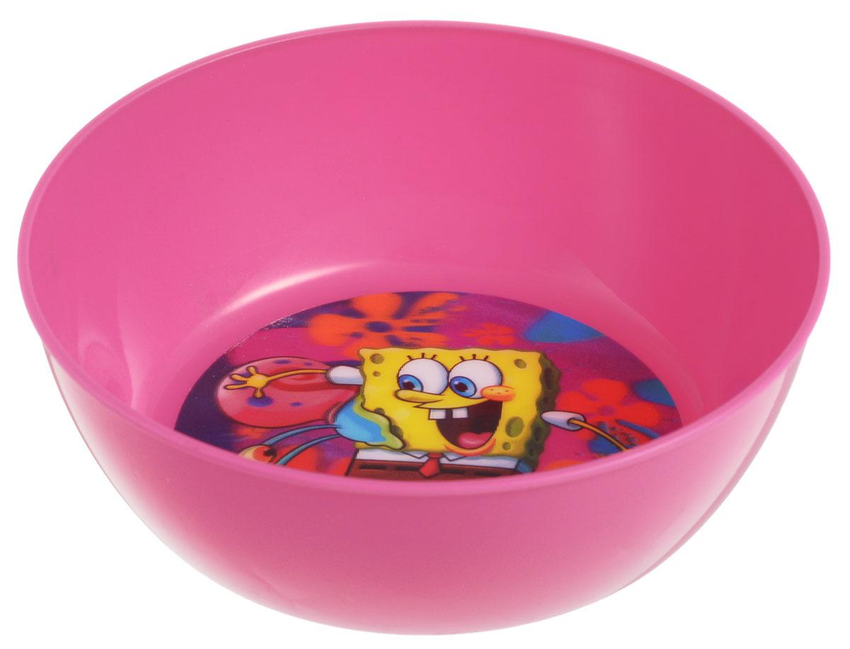 Губка Боб Миска детская 3D цвет розовый диаметр 15 смB150-01RЯркая тарелочка Губка Боб идеально подойдет для кормления малыша и самостоятельного приема им пищи. Миска выполнена из безопасного полипропилена розового цвета, дно оформлено объемным изображением героев из мультфильма Губка Боб. Такой подарок станет не только приятным, но и практичным сувениром, добавит ярких эмоций вашему ребенку! Не предназначено для использования в СВЧ-печи и посудомоечной машине.