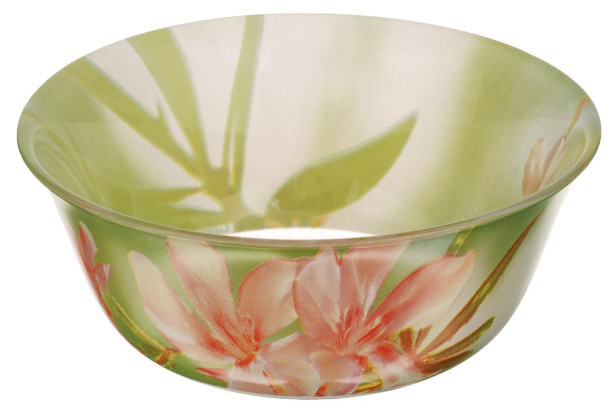 Салатник Luminarc Freesia, диаметр 12 смG7806Салатник Luminarc Freesia, изготовленный из высококачественного стекла, прекрасно впишется в интерьер вашей кухни и станет достойным дополнением к кухонному инвентарю. Салатник оформлен ярким рисунком цветов и имеет изысканный внешний вид. Такой салатник не только украсит ваш кухонный стол и подчеркнет прекрасный вкус хозяйки, но и станет отличным подарком. Диаметр по верхнему краю: 12 см.