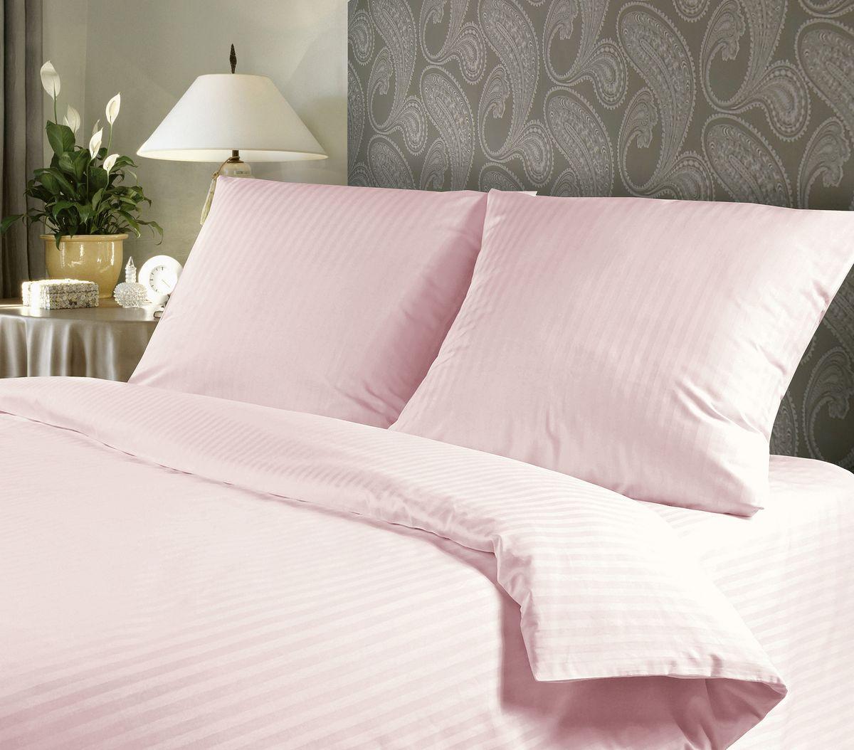 Комплект белья Verossa, евро, наволочки 50х70, 70х70, цвет: розовый192839Сатин - настоящая роскошь для любителей понежиться в постели. Вас манит его блеск, завораживает гладкость, ласкает мягкость, и каждая минута с ним - истинное наслаждение. Тонкая пряжа и атласное переплетение нитей обеспечивают сатину мягкость и деликатность. Легкий блеск сатина делает дизайны живыми и переливающимися. 100% хлопок, не электризуется и отлично пропускает воздух, ткань дышит. Легко стирается и практически не требует глажения. Не линяет, не изменяет вид после многочисленных стирок.