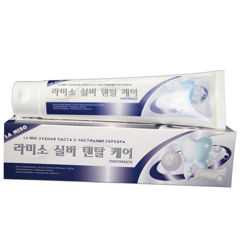 La Miso Зубная паста с частицами серебра Silver Dental Care Toothpaste, 150 г8809296112525Зубная паста содержит специальные микрополирующие частицы, которые способствуют отбеливанию зубов и восстановлению их природной белизны, не травмируя зубную эмаль. Частицы серебра, обладающие антибактериальными свойствами, предотвращают появление кариеса и кровоточивости десен. Экстракты зеленого чая, алоэ вера и витамин Е оказывают благотворное влияние на состояние десен и мягких тканей, предотвращая воспалительные процессы.