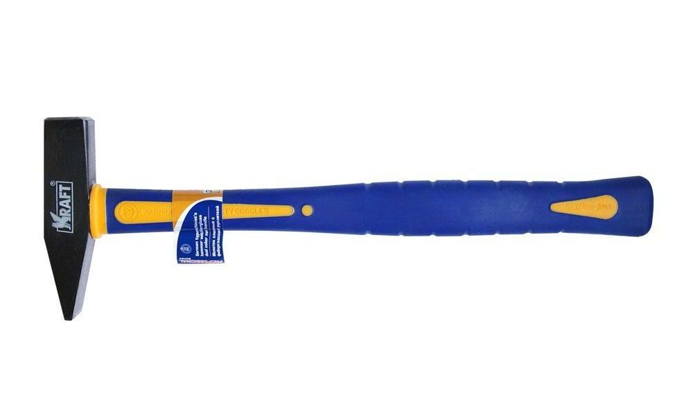 Молоток слесарный Kraft с фиберглассовой рукояткой 300 г КТ 700702КТ 700702Рукоятка 70% фибергласс, покрыта бензомаслостойким мягким пластиком
