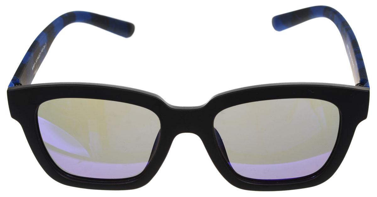 Очки солнцезащитные женские Fabretti, цвет: синий, черный. A1611-10A1611-10Солнцезащитные мужские очки Fabretti выполнены с линзами из высококачественного пластика. Используемый пластик не искажает изображение, не подвержен нагреванию и вредному воздействию солнечных лучей, защищает от бликов, повышает контрастность и четкость изображения, снижает усталость глаз и обеспечивает отличную видимость. Линзы имеют степень затемнения Cat. 3. Пластиковая оправа очков выполнена в черно-синей гамме, с ненавязчивым оригинальным рисунком. Оправа легкая, прилегающей формы и поэтому не создает никакого дискомфорта. Такие очки защитят глаза от ультрафиолетовых лучей, подчеркнут вашу индивидуальность и сделают ваш образ завершенным.