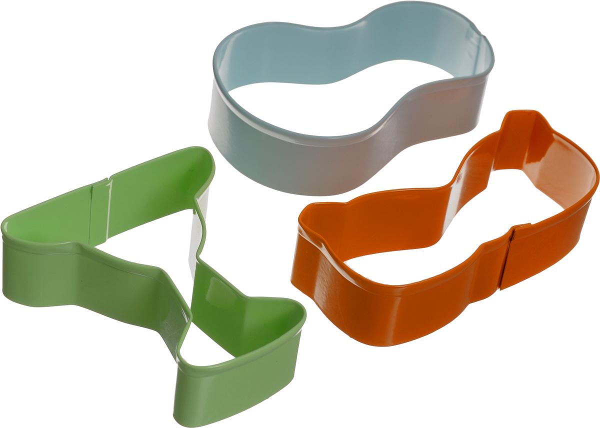 Набор форм для вырезания печенья Wilton Лето, 3 штWLT-2308-0993Набор Wilton Лето состоит из 3 разноцветных форм, изготовленных из высококачественного металла. Изделия можно использовать для вырезания печенья, сладких украшений, бутербродов, а также их можно использовать как трафареты для поделок и с не пищевыми материалами. Формы выполнены в виде бокала, сланцев и очков. С такими формами-резаками можно сделать множество различных фигурок и изделий! Средний размер формы: 9,5 х 5,5 см. Высота форм: 3 см.