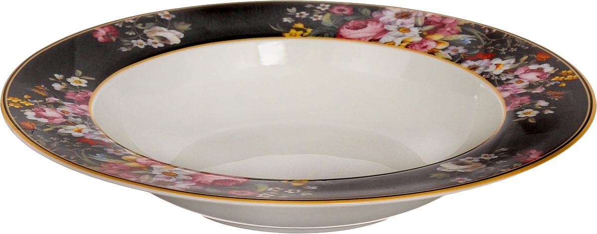 Тарелка суповая Nuova R2S Все в цвету, диаметр 23 см1360BLOBСуповая тарелка Nuova R2S Все в цвету выполнена из высококачественного фарфора и оформлена цветочным рисунком. Изделие сочетает в себе изысканный дизайн с максимальной функциональностью. Тарелка прекрасно впишется в интерьер вашей кухни и станет достойным дополнением к кухонному инвентарю. Суповая тарелка Nuova R2S Все в цвету подчеркнет прекрасный вкус хозяйки и станет отличным подарком. Можно мыть в посудомоечной машине и использовать в микроволновой печи. Диаметр тарелки: 23 см.