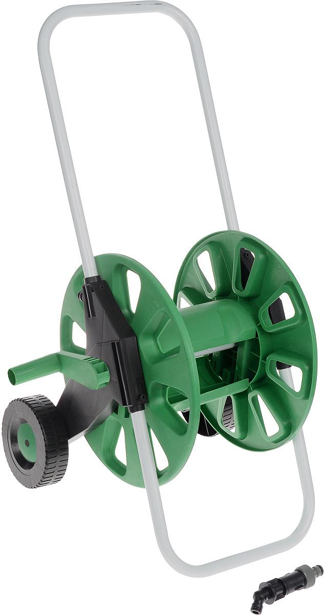 Катушка для шланга FIT, на колесах, цвет: зеленый, белый, черный. 77278112828Катушка для шланга на колесах FIT, изготовленная из инструментальной стали и пластика, предназначена для хранения и транспортировки поливочных садовых шлангов. Она вмещает до 60 метров шланга диаметром 1/2 или до 45 метров шланга диаметром 3/4. Шланг присоединяется к адаптеру на корпусе катушки под углом с помощью быстросъемного соединителя (не входит в комплект), что позволяет избежать его перегибания и скручивания. Благодаря колесам транспортировка приспособления будет легкой и удобной. Оптимально расположенная ручка позволит быстро намотать шланг на катушку, не прилагая лишних усилий.Дополнительную устойчивость и надежность инструменту обеспечивает опорная рама. Благодаря металлическому каркасу катушка прослужит долгое время при правильной и бережной эксплуатации.Диаметр катушки: 34,5 см.