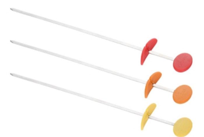 Набор шампуров для гриля Tescoma Presto Tone, длина 30 см, 3 шт19201Набор шампуров для гриля Tescoma Presto Tone отлично подходит для приготовления и сервировки шашлыков из мяса, овощей, рыбы на сковороде или в духовке. Изделия выполнены из нержавеющей стали и оснащены рукояткой и складной манжеткой из огнеупорного силикона. Практичный и удобный набор Tescoma Presto Tone займет достойное место среди аксессуаров на вашей кухне.Можно мыть в посудомоечной машине.