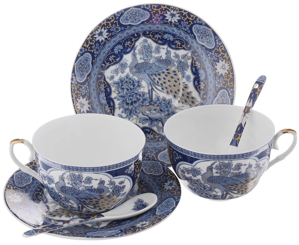 Набор чайных пар Elan Gallery Павлин синий, с ложками, 6 предметов180796Набор чайных пар Elan Gallery Калейдоскоп состоит из 2 чашек, 2 блюдец и 2 ложек, изготовленных из высококачественной керамики. Предметы набора оформлены красочным рисунком. Набор чайных пар Elan Gallery Павлин синий украсит ваш кухонный стол, а также станет замечательным подарком друзьям и близким. Объем чашек: 250 мл. Диаметр чашек по верхнему краю: 9,5 см. Высота чашек: 6 см. Диаметр блюдец: 15,5 см. Длина ложек: 12,5 см.