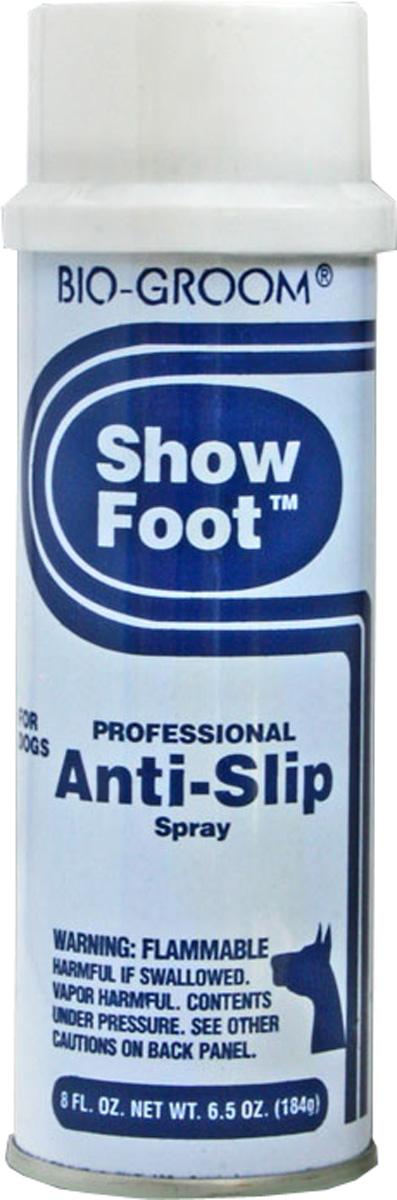 Спрей от скольжения Bio-Groom Show Foot 184 г52308Bio-Groom Show Foot спрей от скольжения. Спрей специально разработан для предотвращения скольжения лап животных в закрытых помещениях во время шоу. В состав входит натуральная канифоль, которая легко смывается и не раздражает кожу. Незаменим для показа совершенных движений на Шоу-ринге. Объём 236 мл.
