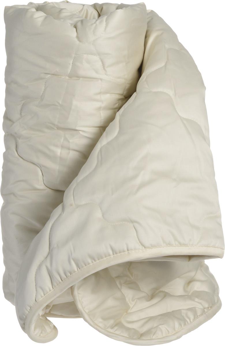 Натурес Одеяло детское Кораблик Пустыни 100 см х 150 смКП-О-2-3Одеяло с верблюжьей шерстью отлично подойдет для детей и подростков. В качестве наполнителя используется необыкновенно мягкий и теплый пух верблюжонка. Основной и главной его особенностью является то, что он предохраняет от перегревания в жару и одновременно защищает от переохлаждения в холодное время, т.е. помогает сохранять постоянную температуру тела малыша во время сна. Эта особенность тесно связана с климатическими условиями пустыни, в которых живет верблюжонок. Очень важно, что верблюжий пух не электризуется и снимает статическое напряжение, накопившееся за весь день, а также, он очень легкий и ничто не будет мешать спокойному отдыху малыша в кроватке. В чехле используется 100% натуральный хлопок: совершенно необыкновенный мако-сатин с золотистым отливом. В комплекте с одеялом имеется мягкая игрушка-подвеска медвежонок. Уход: стирка при 30° C.