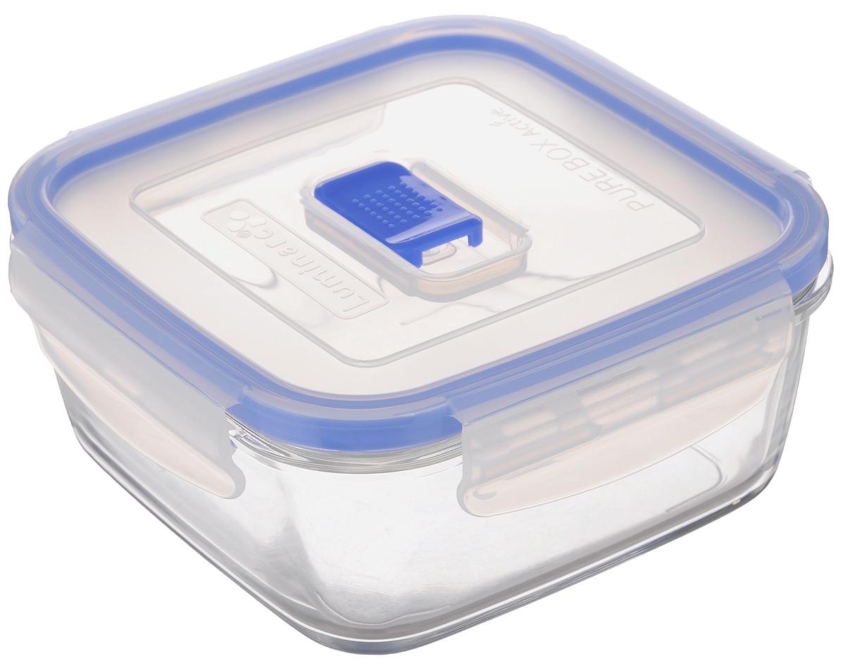Контейнер Luminarc Pure Box Active, цвет: прозрачный, синий, 760 млJ5634Квадратный контейнер Luminarc Pure Box Active изготовлен из жаропрочного закаленного стекла и предназначен для хранения любых пищевых продуктов. Благодаря особым технологиям изготовления, изделие в течение времени не меняет цвет и не пропитывается запахами. Пластиковая крышка с силиконовой вставкой герметично защелкивается специальным механизмом. Контейнер Luminarc Pure Box Active удобен для ежедневного использования в быту. Можно мыть в посудомоечной машине и использовать в СВЧ. Размер контейнера (с учетом крышки): 14,7 см х 14,7 см х 7 см.